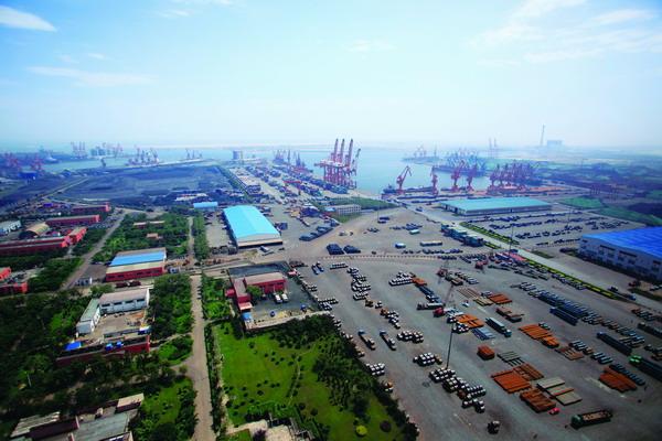 京唐港区宽敞整洁的货物堆场