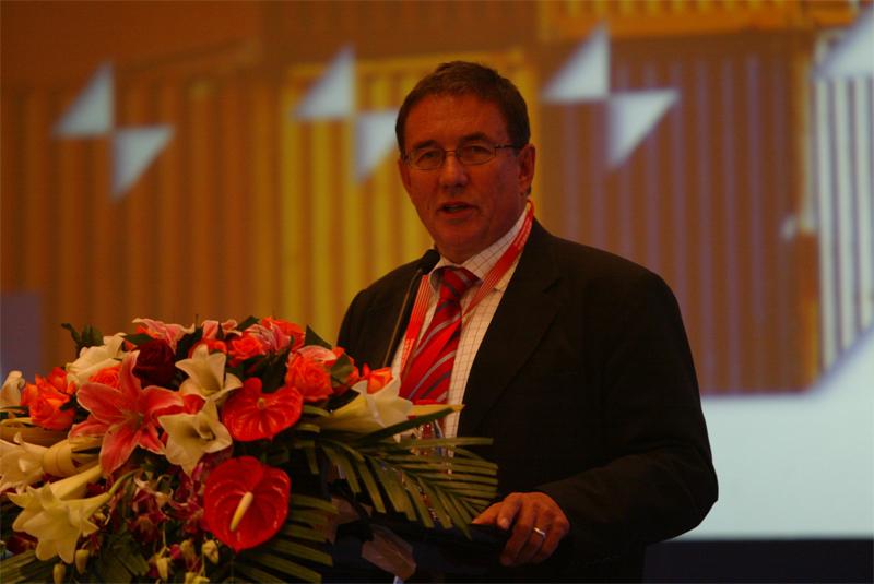 欧洲班轮事务协会主席MR.CHRIS BOURNE