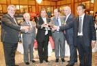 西班牙城市市长及西班牙城市商会会长与全球海运峰会贵宾共进晚宴