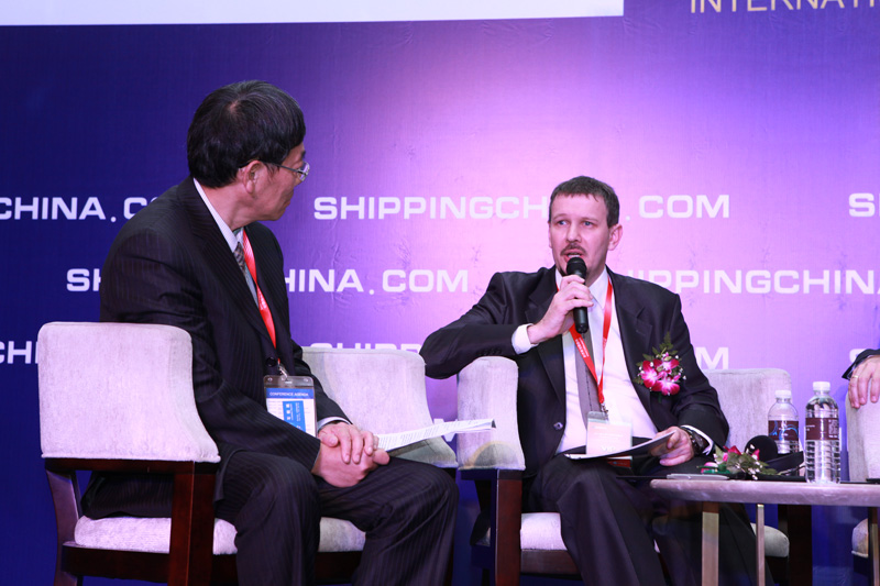 Mr. Christophe Cheyroux, GM of China Region, Port of Le Havre Communicated with Other VIP