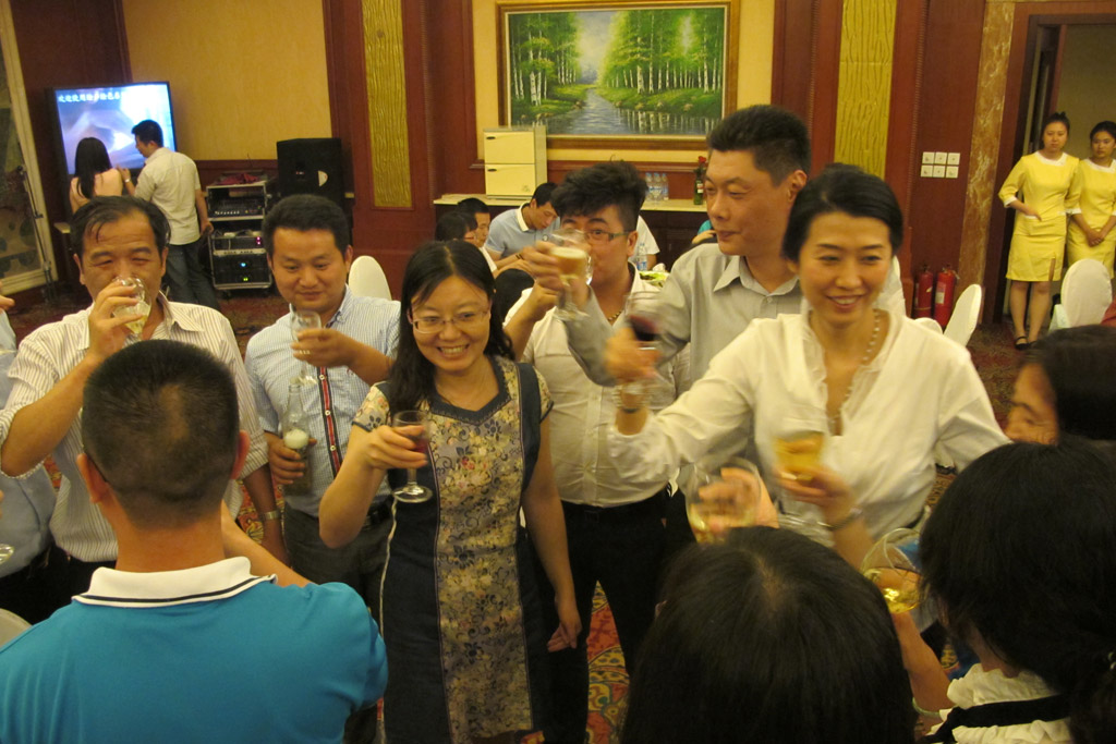 Guests From WIFFA-Tianjin Port Toasting Together