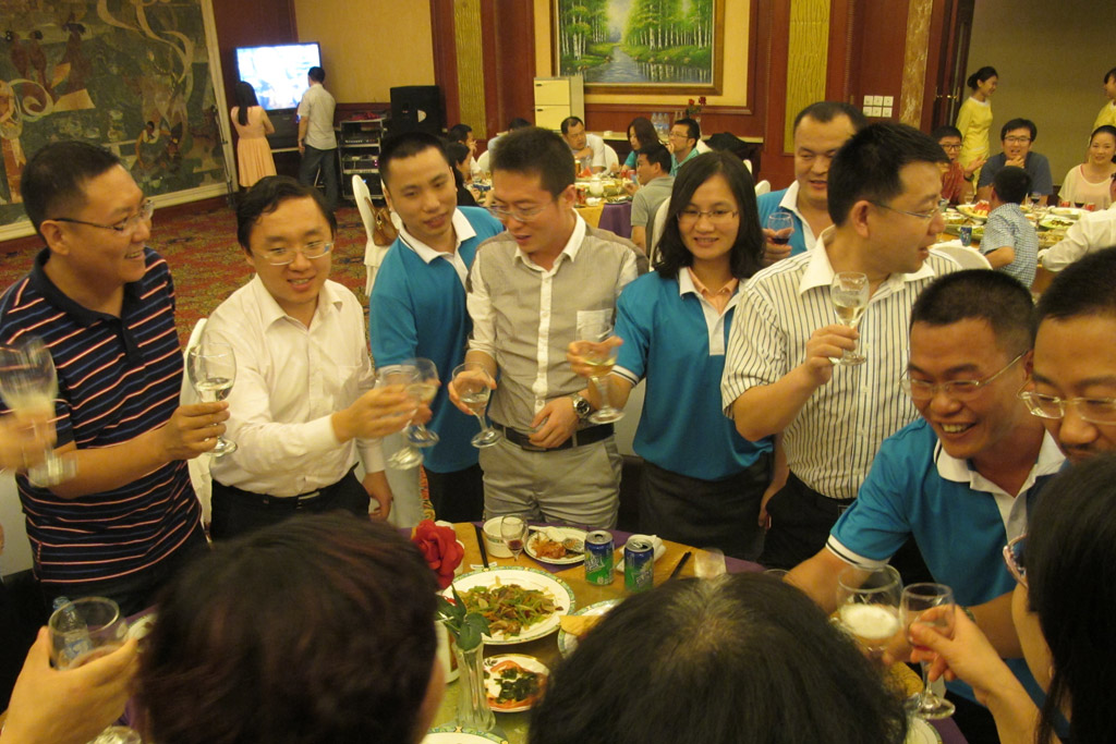Guest From WIFFA-Guangzhou Port Toasting Together