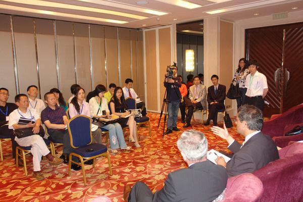 国内主要媒体参加新闻发布会