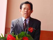 长兴岛临港工业区管委会主任徐长元接受记者采访