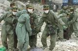 防疫人员对北川进行全面消毒
