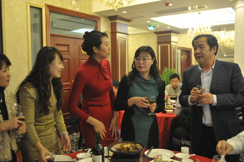WIFFA天津主席陈国良董事长向成员单位敬酒