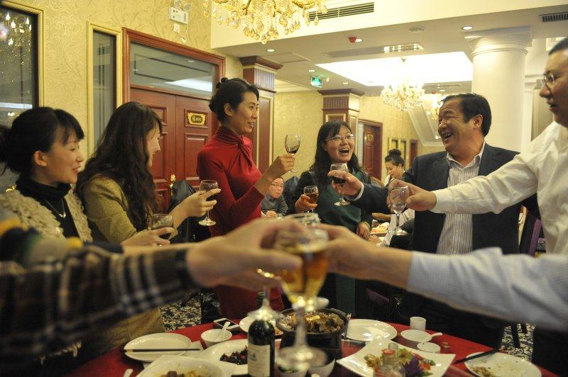 共同祝愿和期待2013年的到来
